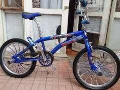 Bicicleta BMX bien concervado