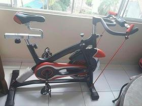 bicicleta estática para ejercicio.