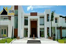Hermosa mansion en venta en Colinas del Urubó