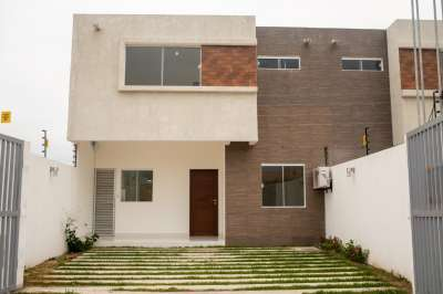 Casas 4 habitaciones - 2 pisos Ubanizacion Kaoba