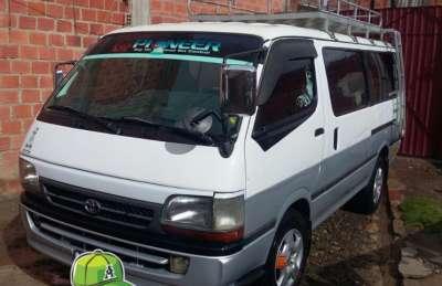 Minibus hiace año 2000, 2000cc