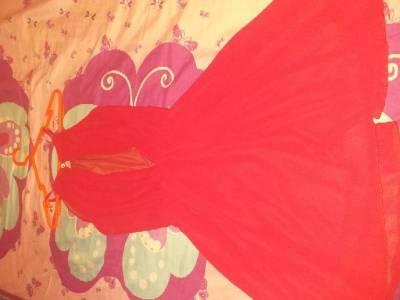 vestido  rojo en santa cruz