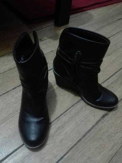 lindas botas con terraplen #38 color Negro