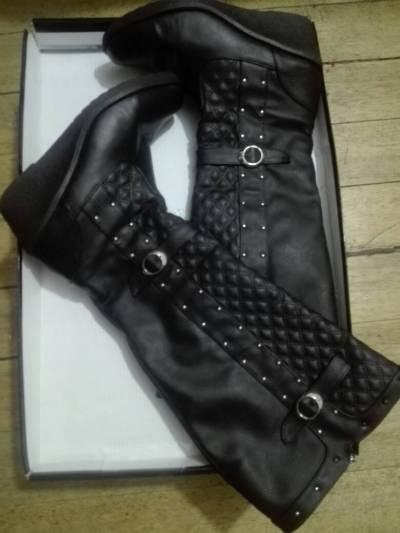 botas con terraplen de color negro made in Brazil #35