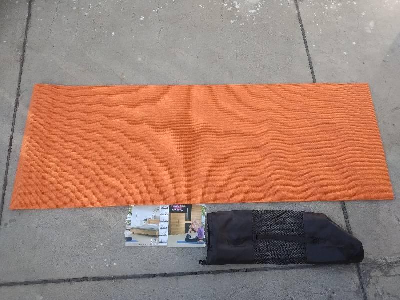 colchoneta para yoga y ejercicios