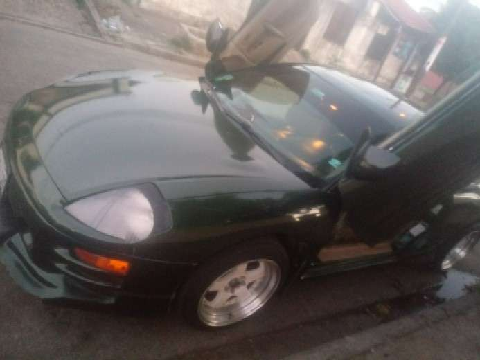 vendo Mitsubishi eclipse 2004  6300$ charlable