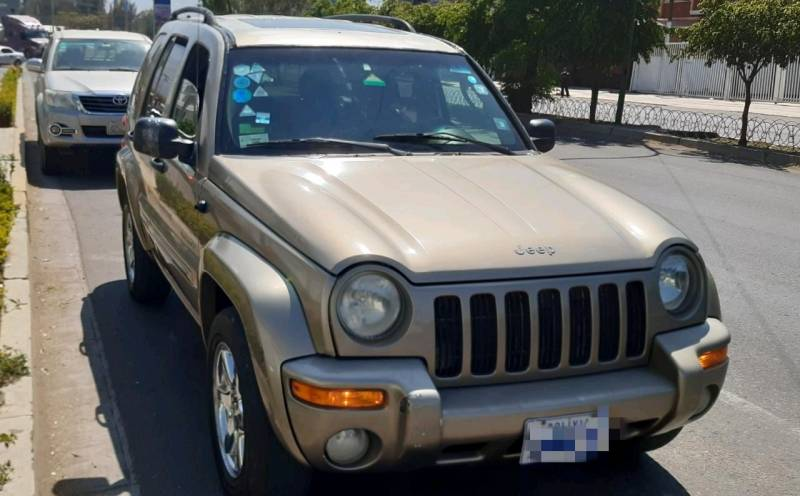 Vagoneta Marca JEEP Liberty Limited