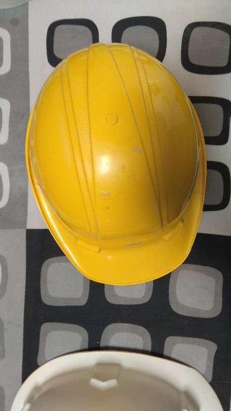 3 cascos de seguridad